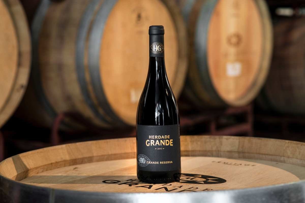 92 Parker points. The Grande Reserva of Herdade Grande highlighted by the Wine Advocate.
